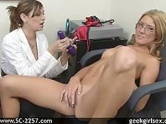 Misti Jane and Elli Foxx - geek girl sex